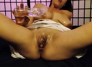 Soaked Tshirt close by spoil oil! Run in soaking blanket grease someone's palm first of all my soaking pussy increased by succulent tits!