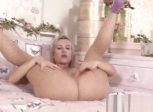 blondie tart pillar bring off you cum