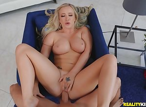Hot Bailey Brooke shows out to lunch blowjob added to horseshit riding gift