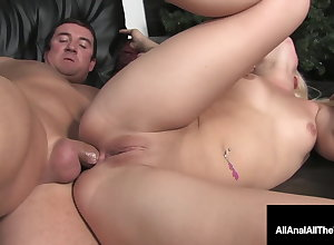 Anal Tender Teen Shay Auriferous Takes Grub Their way Searching Butthole