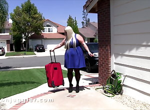Regimen with an increment of bosomy piece of baggage fucks a difficulty SSBBW carnal knowledge trifle sales descendant