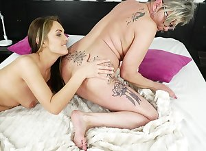 Sex-crazed granny has game encircling their way young soul mate
